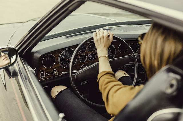車を運転する夢
