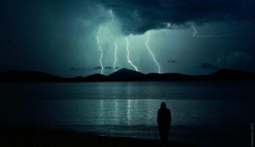 夢占いで雷の夢【その意味や心理20選】