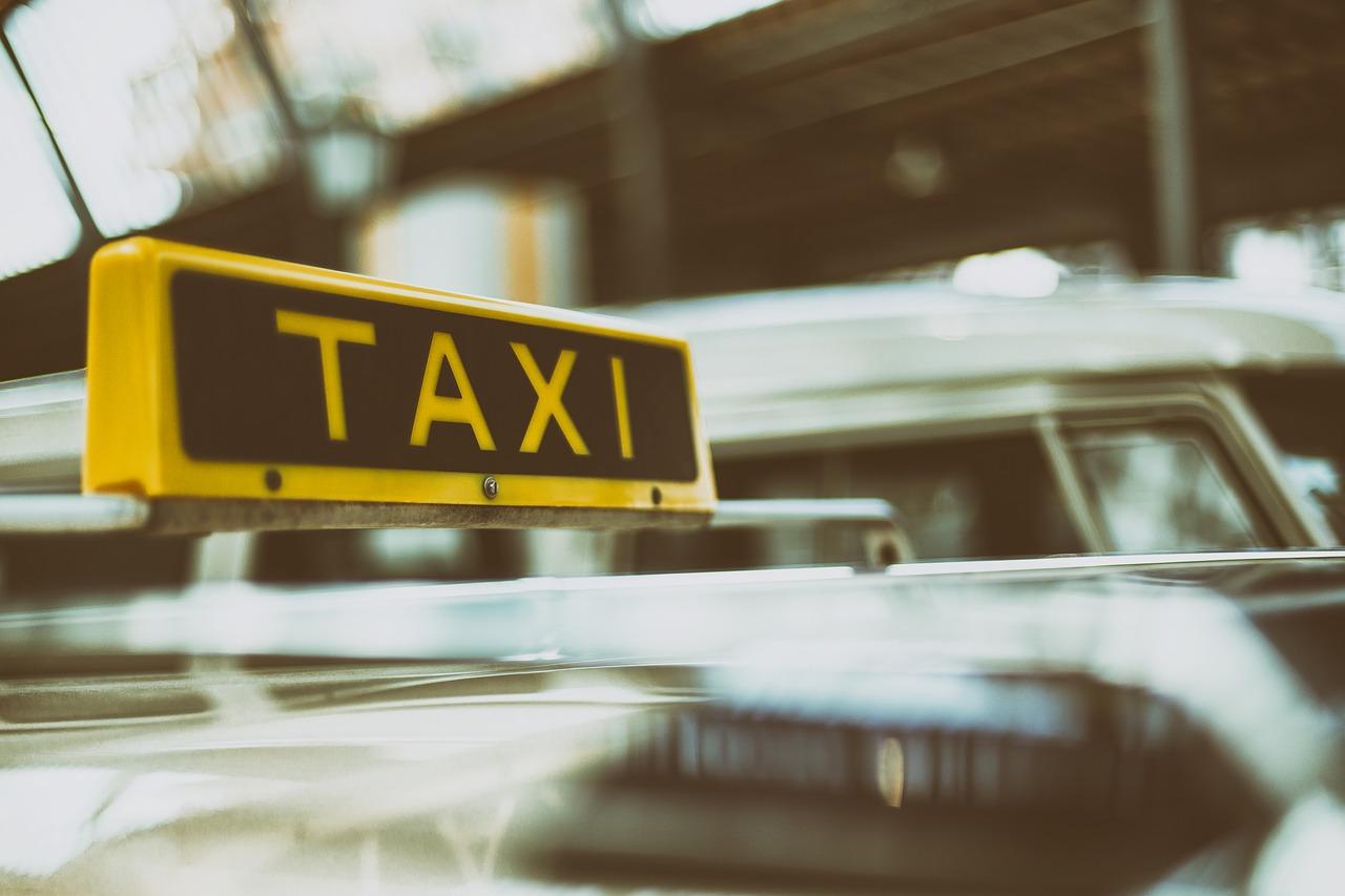 夢占い タクシー